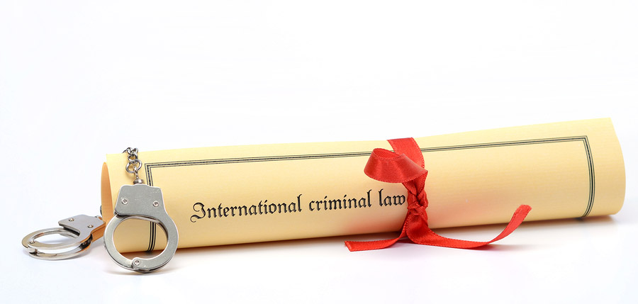 Handcuffs and International criminal law